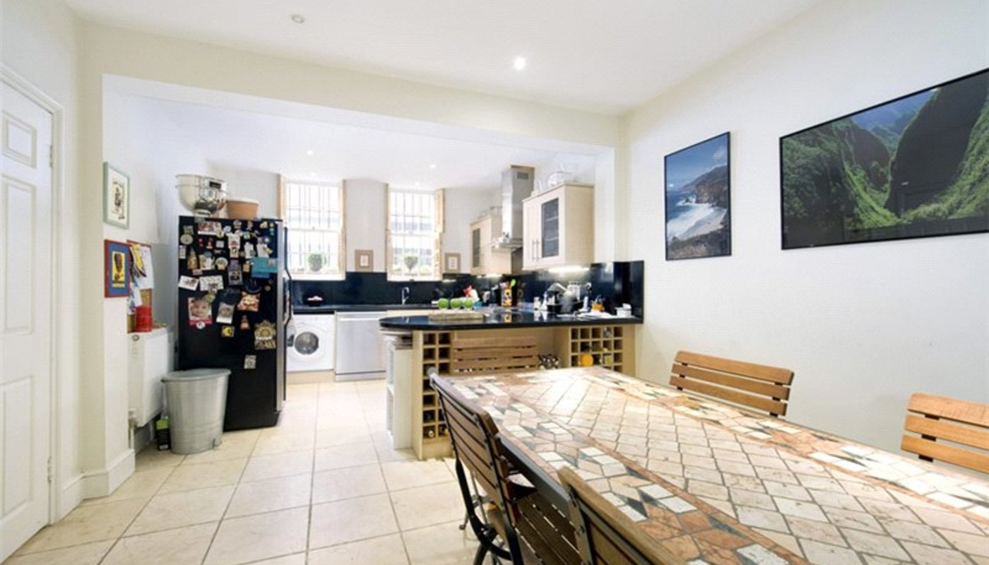 3 Bedroom Mews House Let In Queens Gate Place Mews South