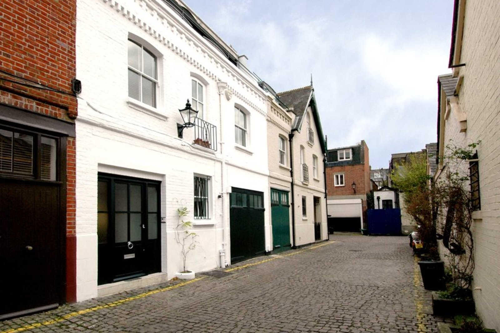 Adam & Eve Mews, Kensington High Street, Abingdon Village, W8-2