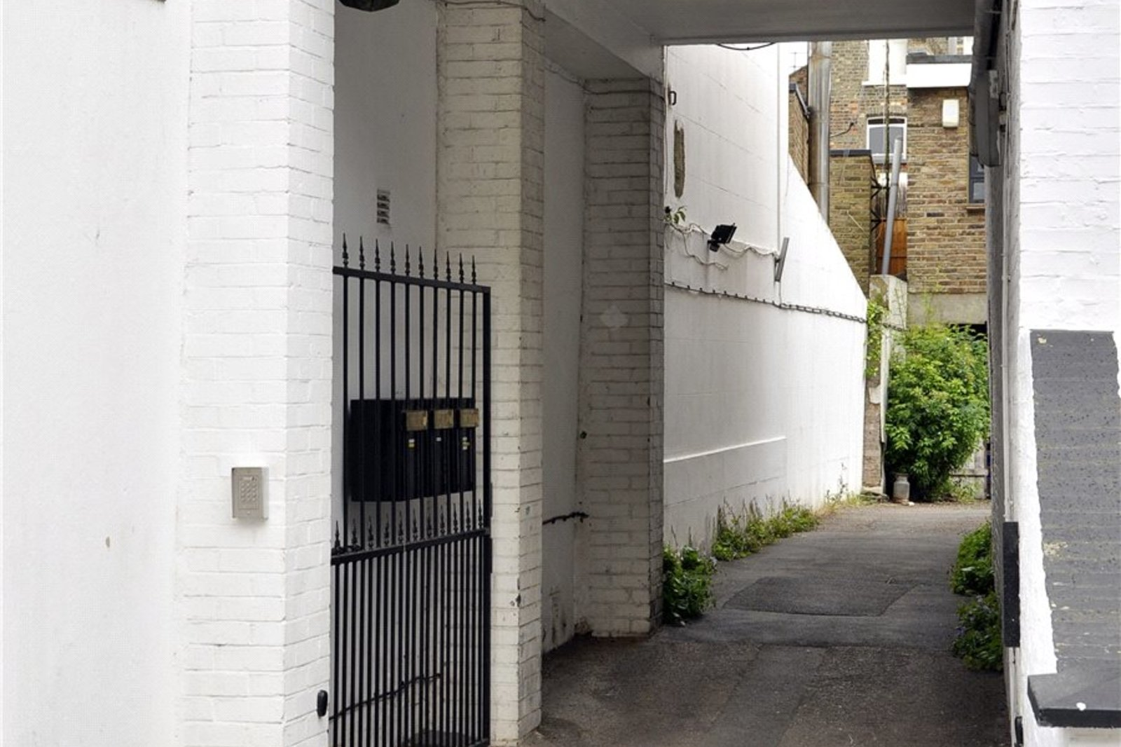 Ainger Mews, Primrose Hill, Camden, NW3-2