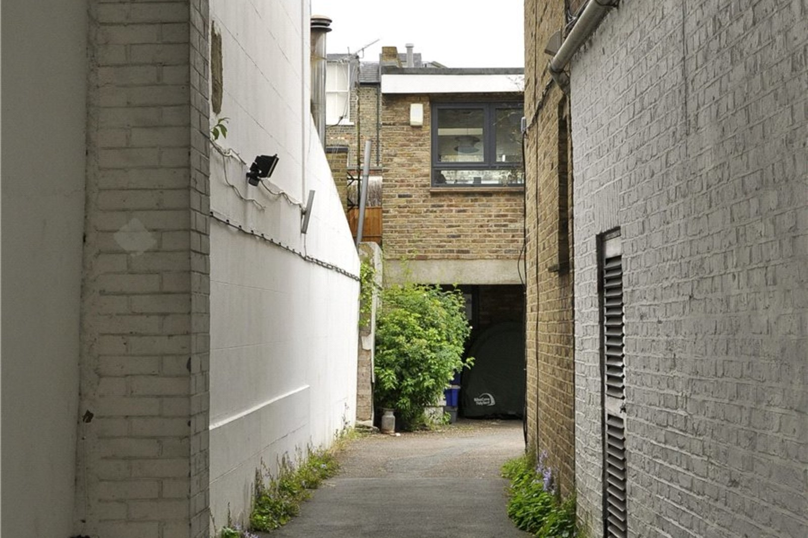 Ainger Mews, Primrose Hill, Camden, NW3-3