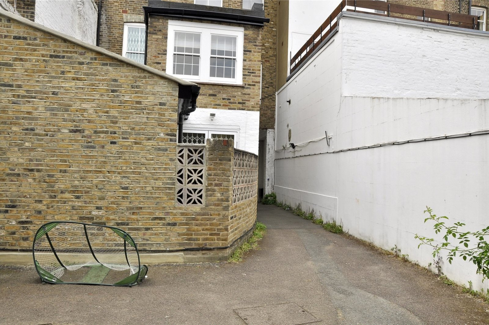 Ainger Mews, Primrose Hill, Camden, NW3-4