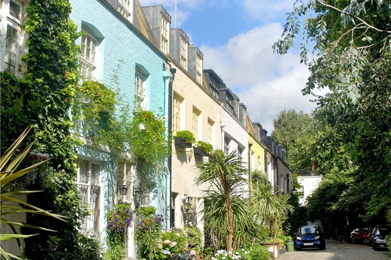 Albion Mews, Connaught Village, Bayswater, W2-1