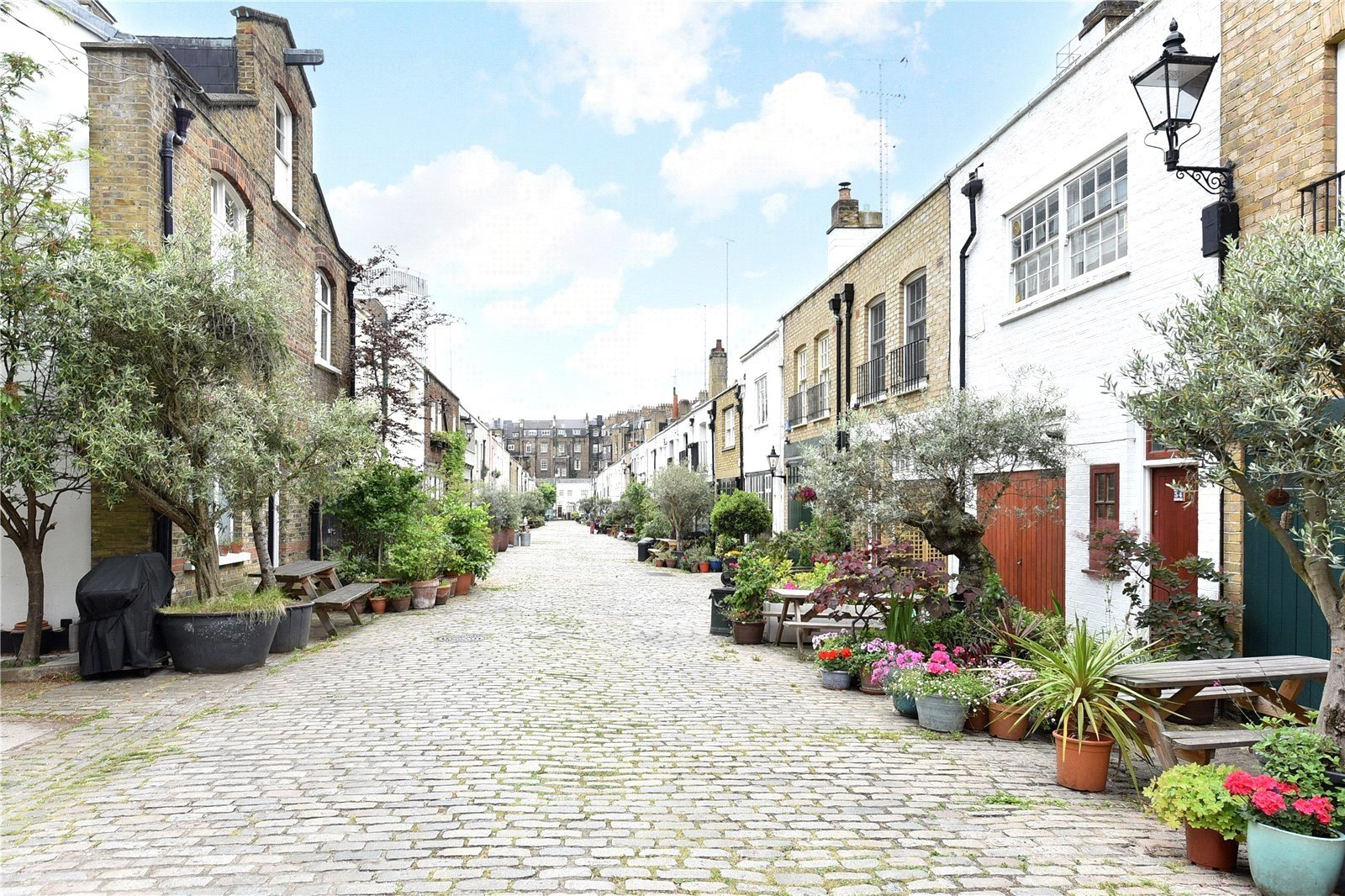 Bathurst Mews, Lancaster Gate, London, W2