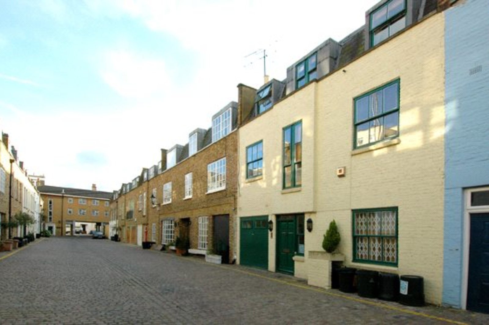 Coleherne Mews, South Kensington, London, SW10-2