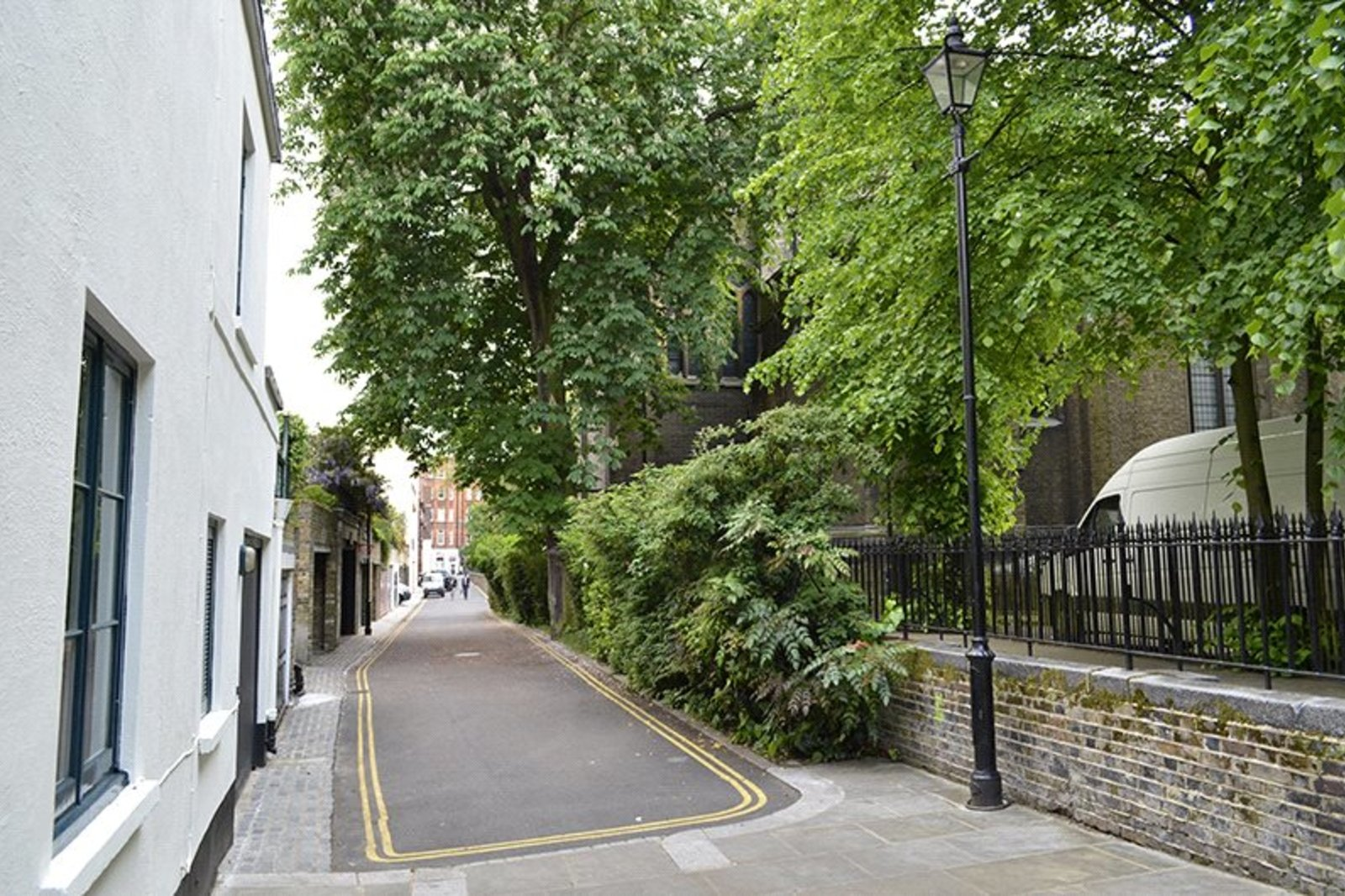 Cottage Place, Chelsea, London, SW3-5
