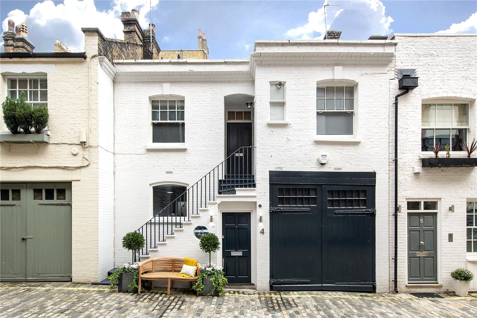 Dunstable Mews, London, W1G
