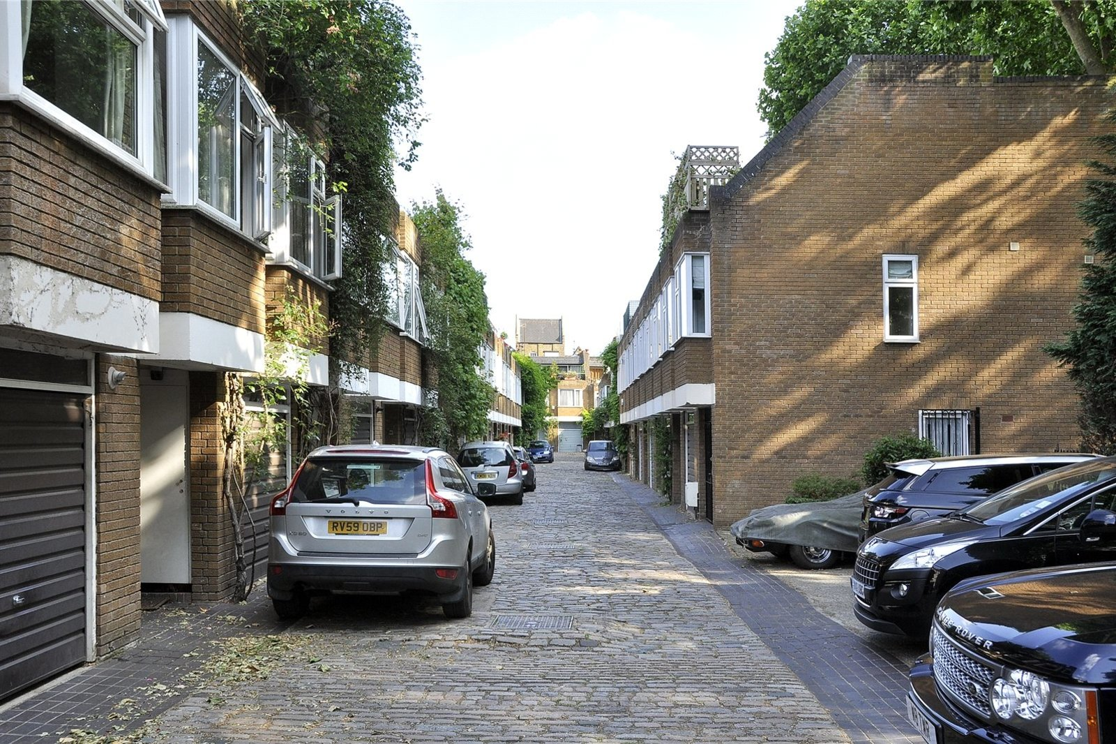 Hippodrome Mews, Holland Park, London, W11-1