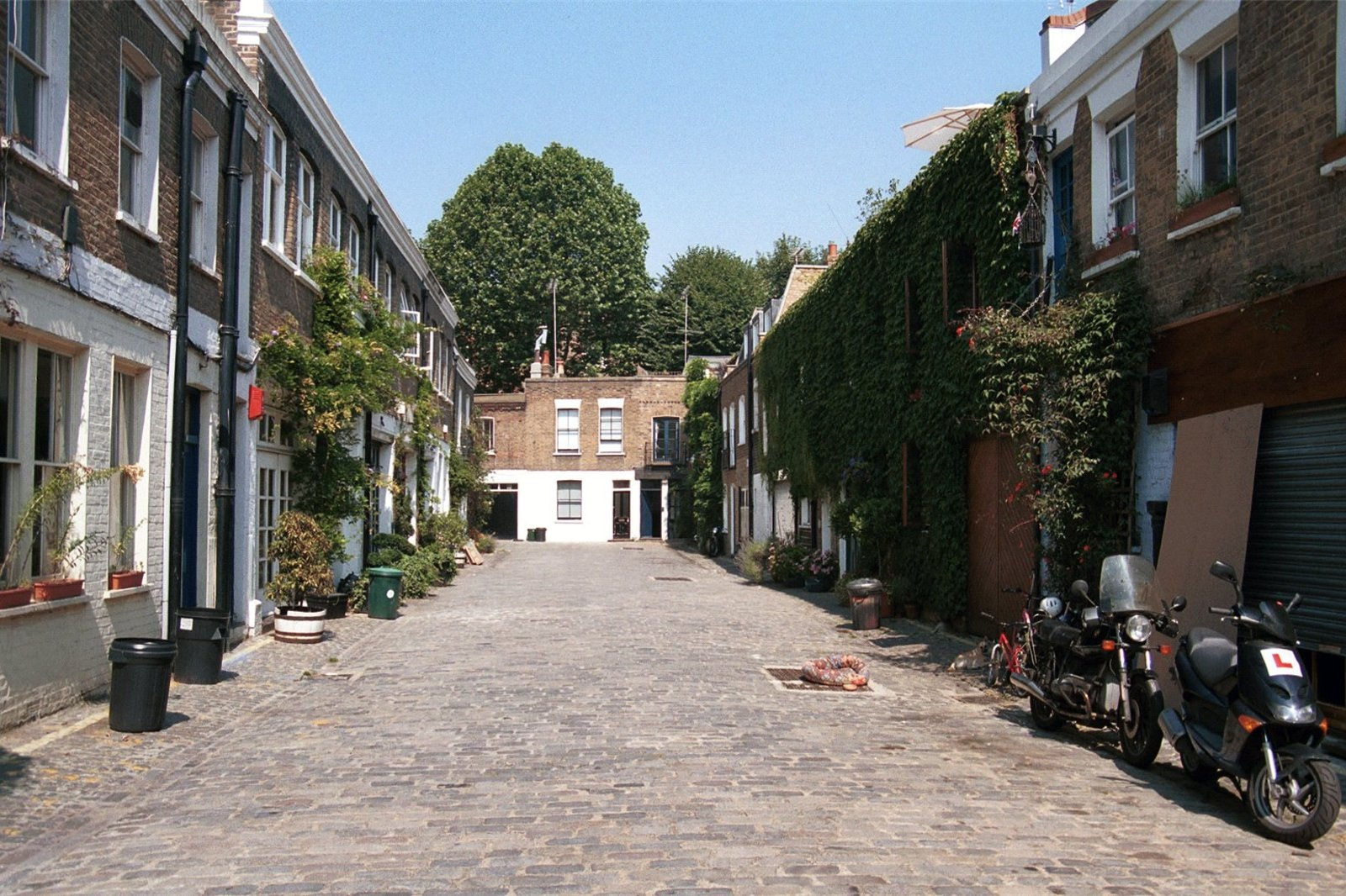 Pindock Mews, Maida Vale, London, W9-2