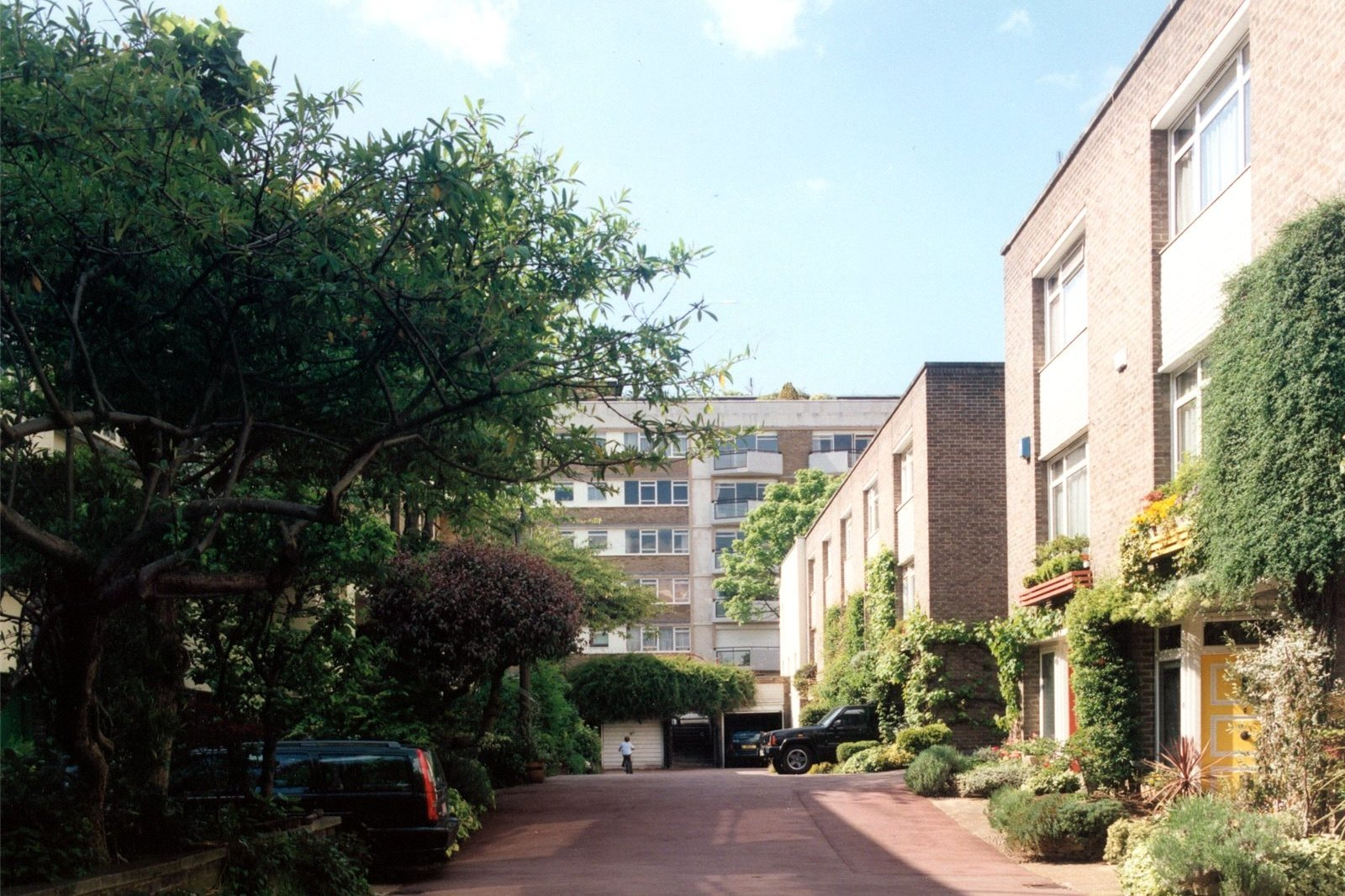 Sussex Mews East, Hyde Park Estate, London, W2-3