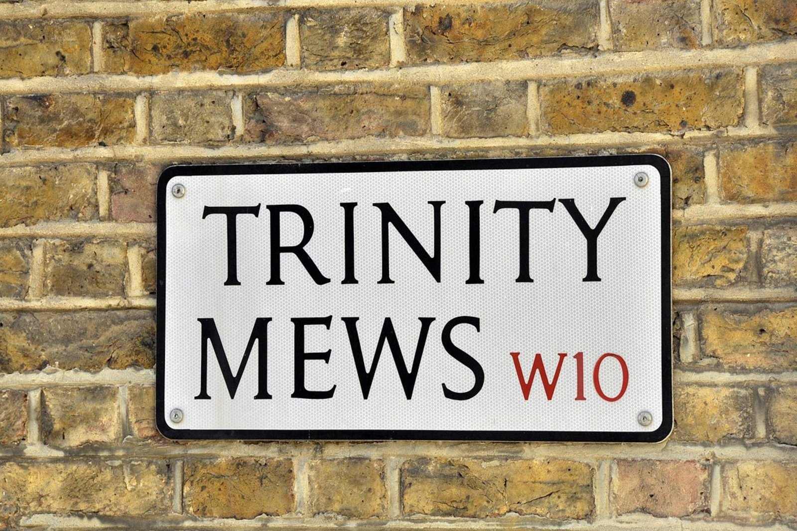 Trinity Mews, Ladbroke Grove, London, W10-4