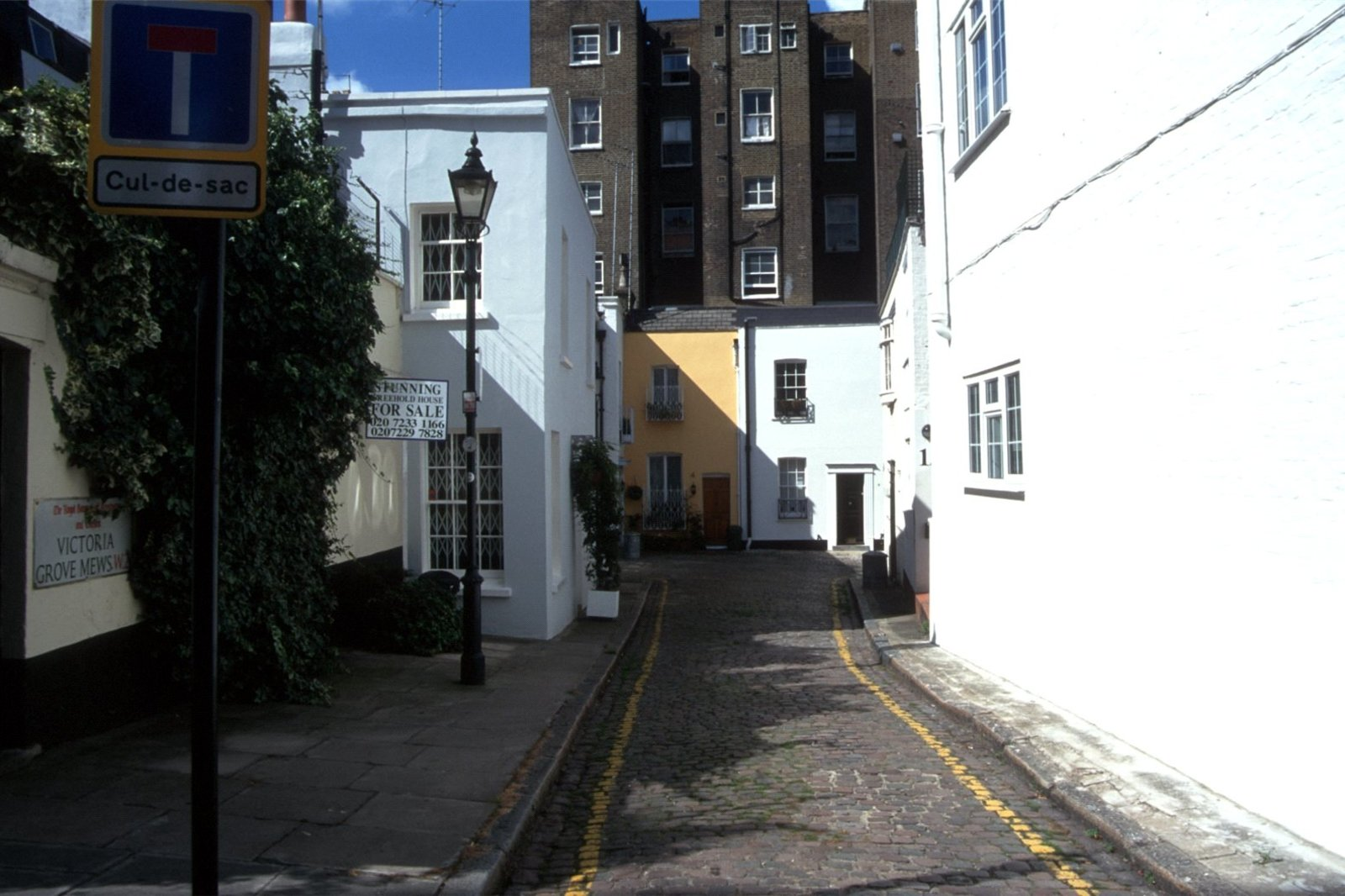 Victoria Grove Mews, Notting Hill, London, W2-6