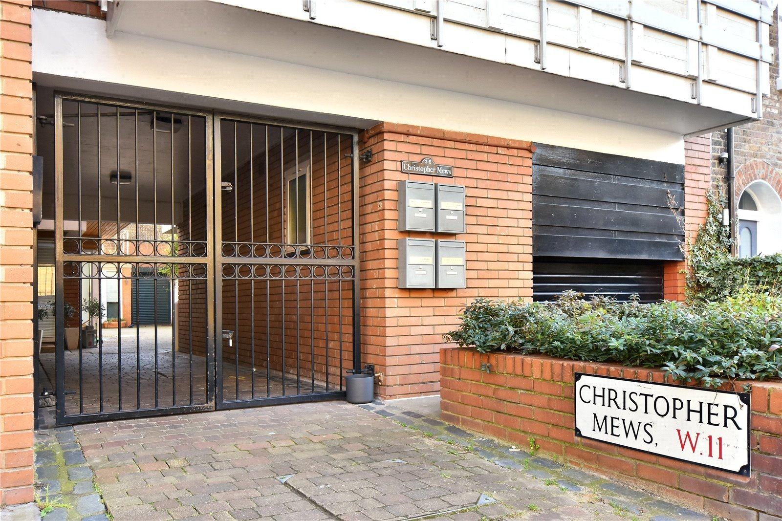 Christophers Mews, London, W11