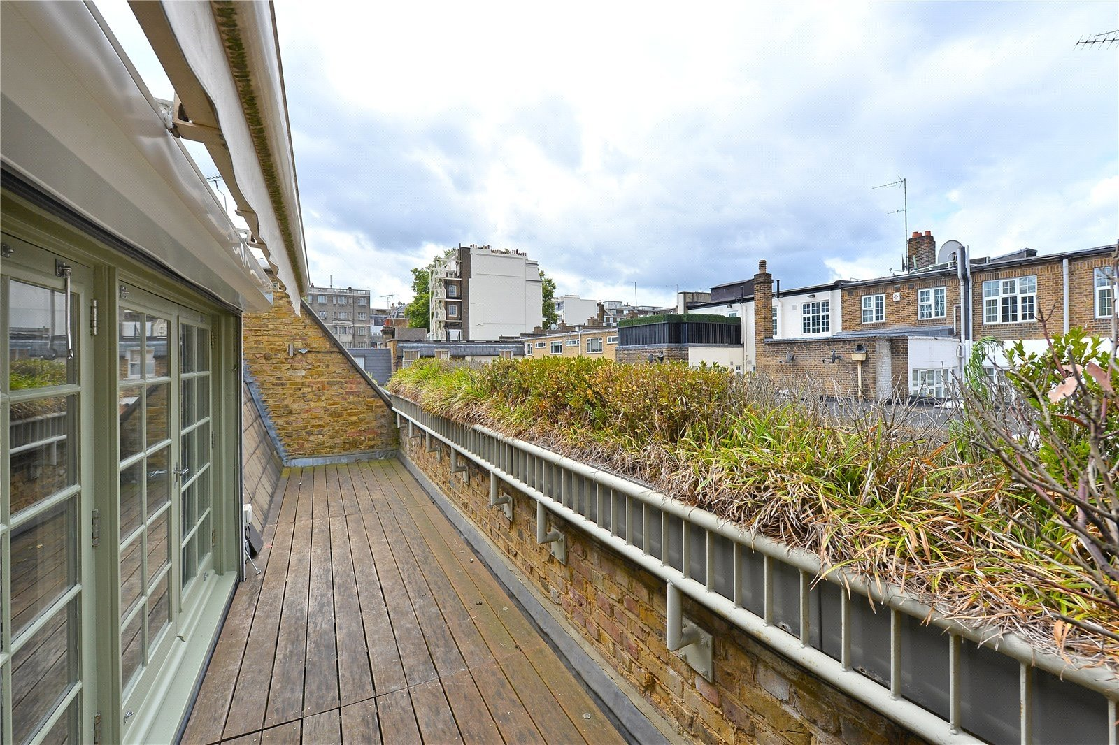 Connaught Close, London, W2