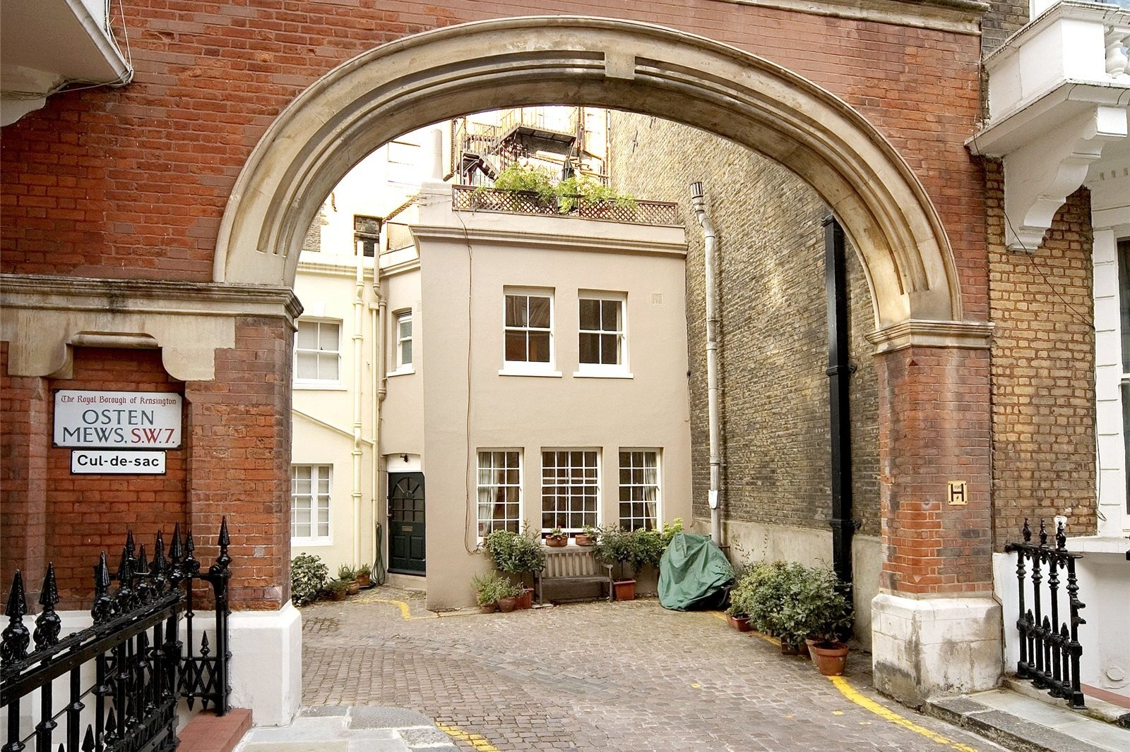 Osten Mews, South Kensington, London, SW7