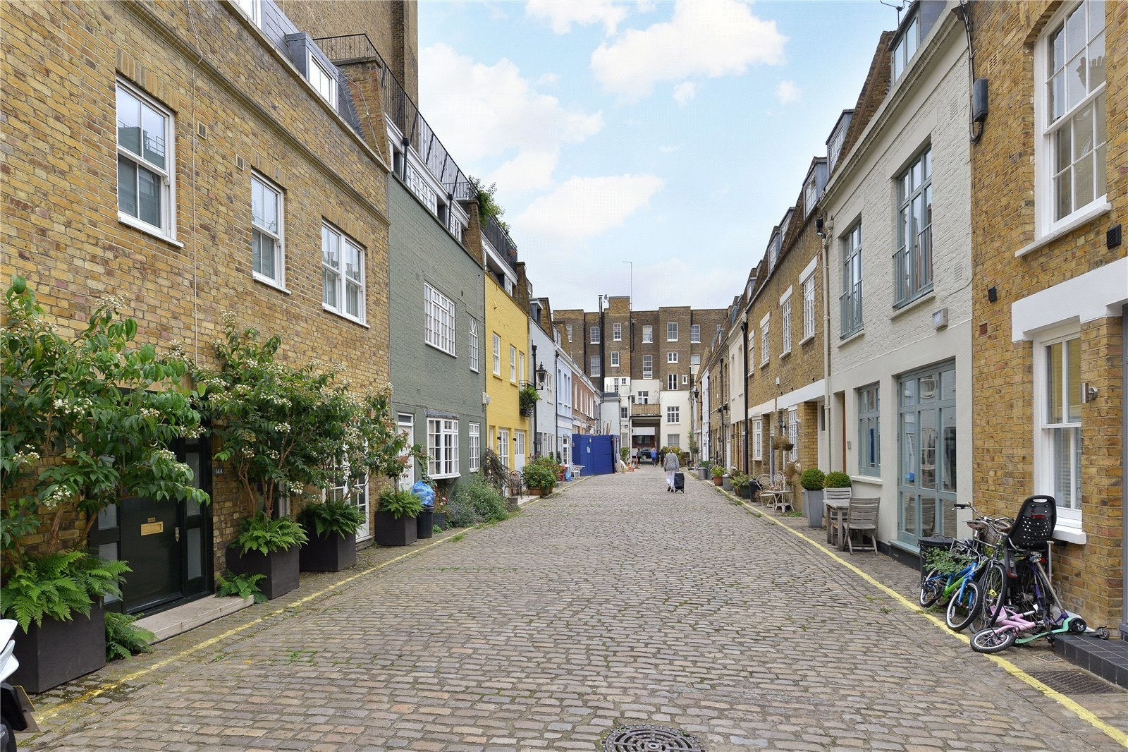 Princes Mews, Bayswater, London, W2