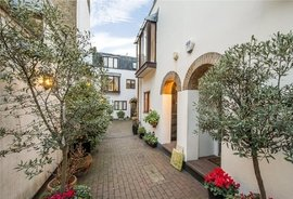 House for sale in Bowland Yard, London