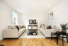 Mews House for sale in Burnsall Street, Chelsea