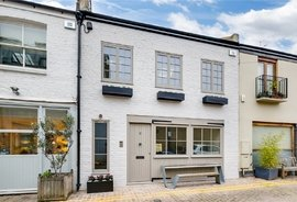 House for sale in Colville Mews, London