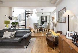 Mews House for sale in Dunstable Mews, London