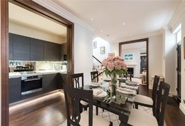 Mews House for sale in Elm Park Lane, London