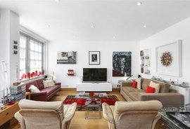 Mews House for sale in Frederick Close, London