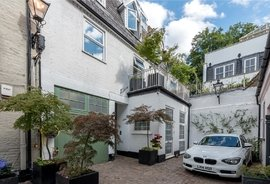 Mews House for sale in Fulton Mews, London