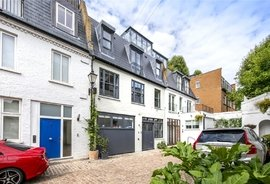 House for sale in Fulton Mews, London