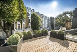 House for sale in Garden Mews, Notting Hill