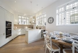 Mews House for sale in Garden Mews, Notting Hill