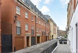 Mews House for sale in Hide Place, Westminster