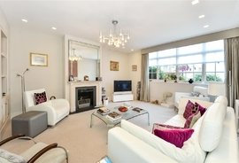 Mews House for sale in Hyde Park Gardens, London
