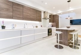 Mews House for sale in Petersham Mews, South Kensington