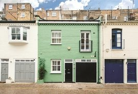 House for sale in Petersham Mews, South Kensington