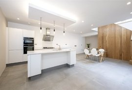 Mews House for sale in Princes Mews, London