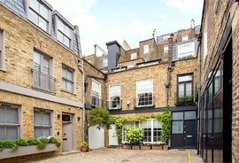 Mews House for sale in Queen's Gate Place Mews, London