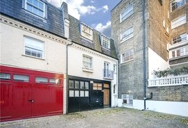 House for sale in Queen's Gate Place Mews, London