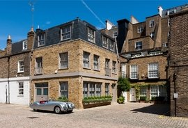 Mews House for sale in Queen's Gate Place Mews, South Kensington
