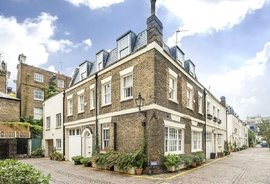 Property for sale in Queens Gate Mews, South Kensington