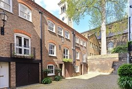 House for sale in Rutland Gate Mews, London