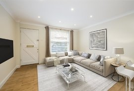 Mews House for sale in Shrewsbury Mews, London