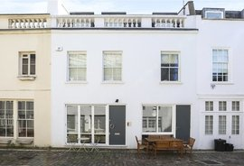 Mews House for sale in Sussex Mews West, London