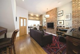 Mews House to rent in Adam & Eve Mews, London