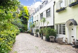 Mews House to rent in Albion Mews, Hyde Park Estate