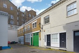 Mews Property to rent in Atherstone Mews, London