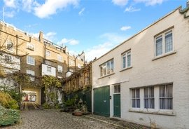 Mews House to rent in Bathurst Mews, London