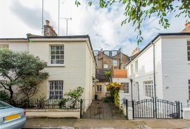 Mews House to rent in Bridstow Place, London