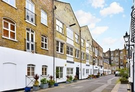 Mews Flat to rent in Brook Mews North, Lancaster Gate