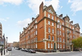 Flat to rent in Cumberland Mansions, Brown Street
