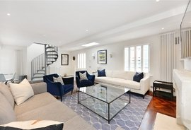 Mews House to rent in Denbigh Close, Notting Hill