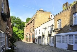 Mews House to rent in Frederick Close, Bayswater